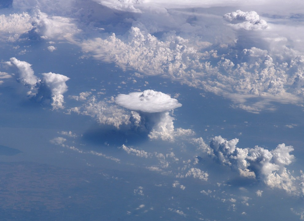 nasa makes clouds - 990×720